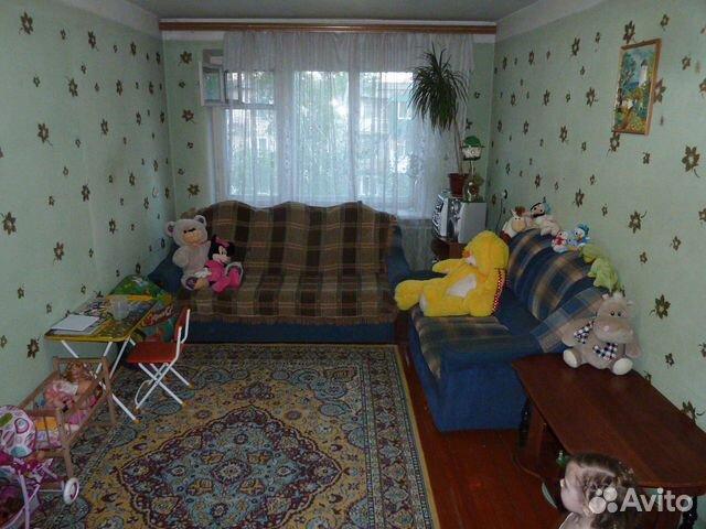 Продается трехкомнатная квартира за 1 600 000 рублей. Обороны ул, 71.
