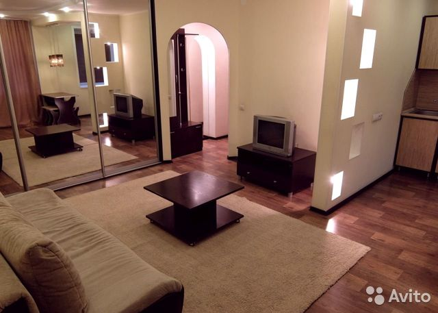 2-room apartment, 46 m2, 2/5 floor.  89293346244 buy 2