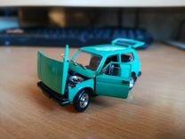 Моделька автомабиля LADA 2121 1:43