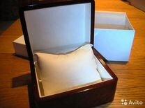 Лакированная деревянная коробка для часов